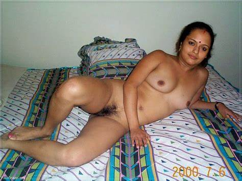 Aunty Babes Banged On Striped Bedroom