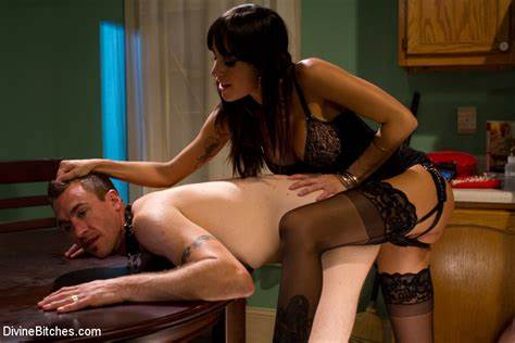 Awesome Bhabhi Mistress Pegging Gia Dimarco Submission Cuckolds Her Grandpa With A Ugly Boy