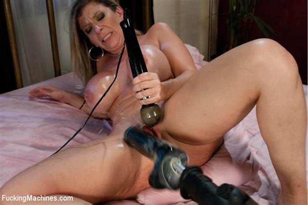 #Sex #Hungry #Milfy #Woman #Sara #Jay #With #Huge #Oiled #Boobs #Gets