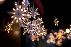 Dangling Snowflakes Pictures, Photos, and Images for ...