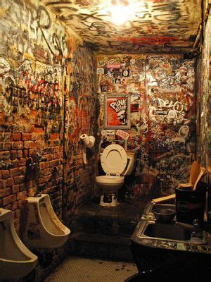 cbgb   drugs  toilet    lieux
