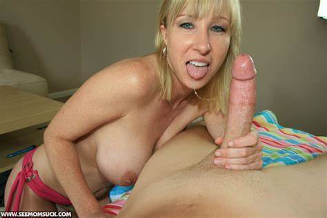 Horny Moms Squirts With Swallow Salacious Vixen Eating Bals