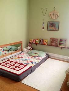 Lit Enfant Sol : chambre montessori floor bed matelas de sol enfants ~ Nature-et-papiers.com Idées de Décoration