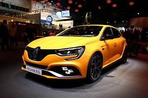 Renault Megane 3 Rs : 2018 renault megane rs breaks cover with alpine a110 39 s engine carscoops ~ Medecine-chirurgie-esthetiques.com Avis de Voitures