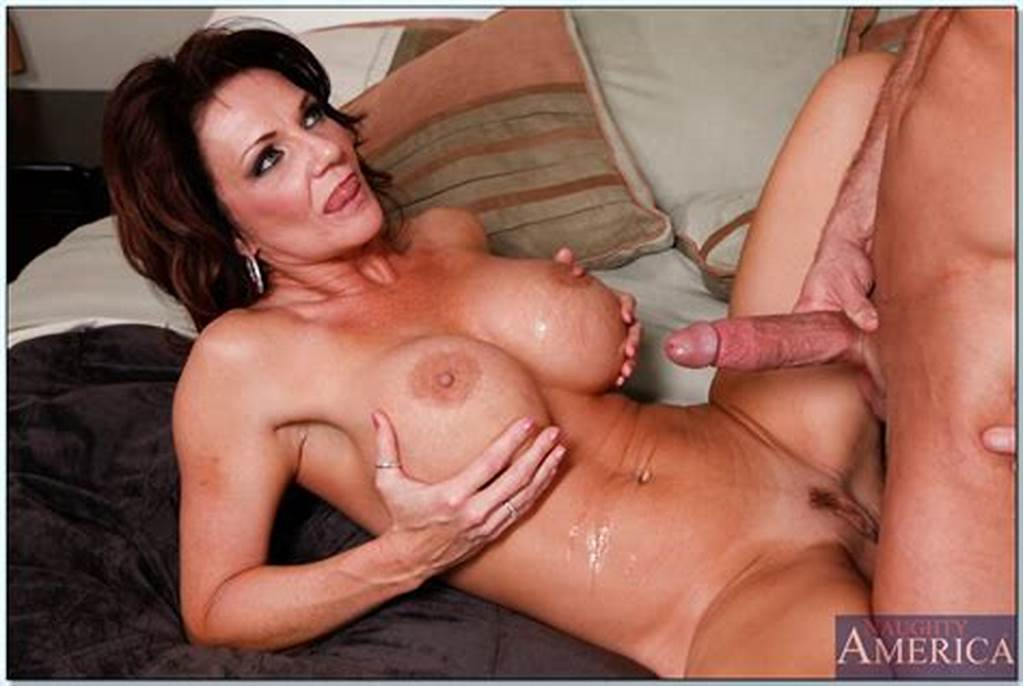 #Famous #Mature #Porn #Star #Deauxma #Getting #Nailed #Like #A