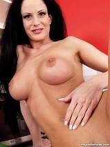 Mature brunettes nude thumb