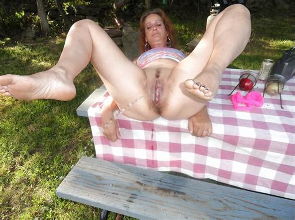 #Mature #Woman #Piss