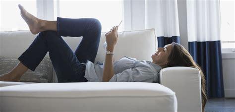 faire l amour sur un canapé miser sur le canapé convertible pour les petits espaces