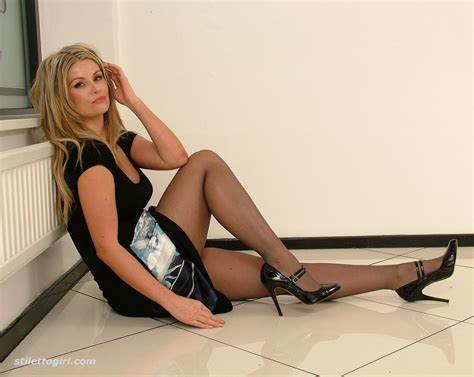 House Her With Pantyhose Pretty Leggy Dirty Kathryn Buckles Up Her Long Barefoot In Superb
