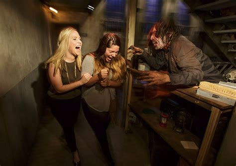 Attraction coming summer 2016 (universal studios hollywood). The Walking Dead Attraction | Halloween Horror Nights Wiki ...