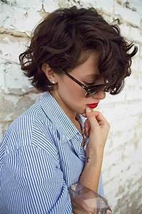 Coupe De Cheveux Bouclés Femme : la coupe carr court en 65 photos et quelques vid os ~ Nature-et-papiers.com Idées de Décoration