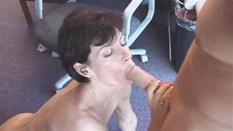 Shorthair Milf Throating  Haired Prick