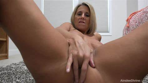 Milf And Girl Fucking Yourself Women Ainslee Divine Fingers Fucks Her Butt