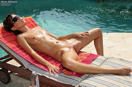 Teen Pool Nudesex