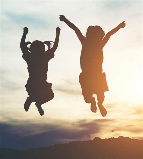 Το ημερολόγιο του ιουνίου 2021. NEWSLETTER #17 ΙΟΥΝΙΟΣ 2020 - Σύλλογος Γονέων των Μαθητών και Μαθητριών Δημοτικού του Κολλεγίου ...