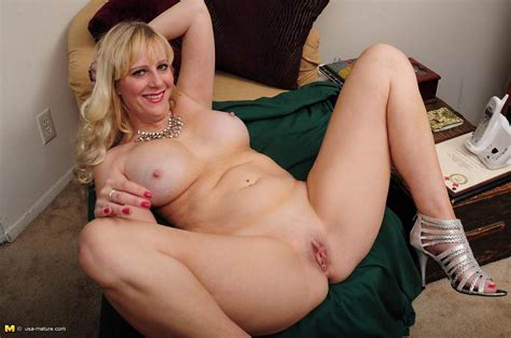 #This #Blonde #Mama #Loves #To #Go #Naked
