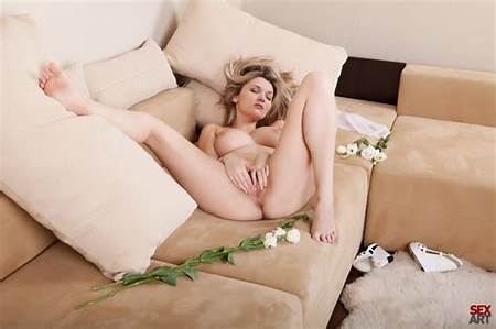 Masturbate Video Nude Teen