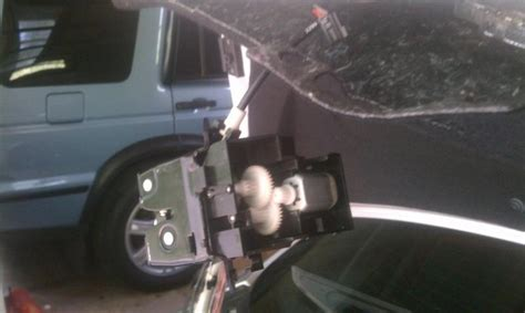 Thanks for all the help guys.i finally am given up with this vehicle and think i am going to trade it in for a bmw.but does anyone know what is a good trade in value for my vehicle: Trunk failure - Mercedes-Benz Forum