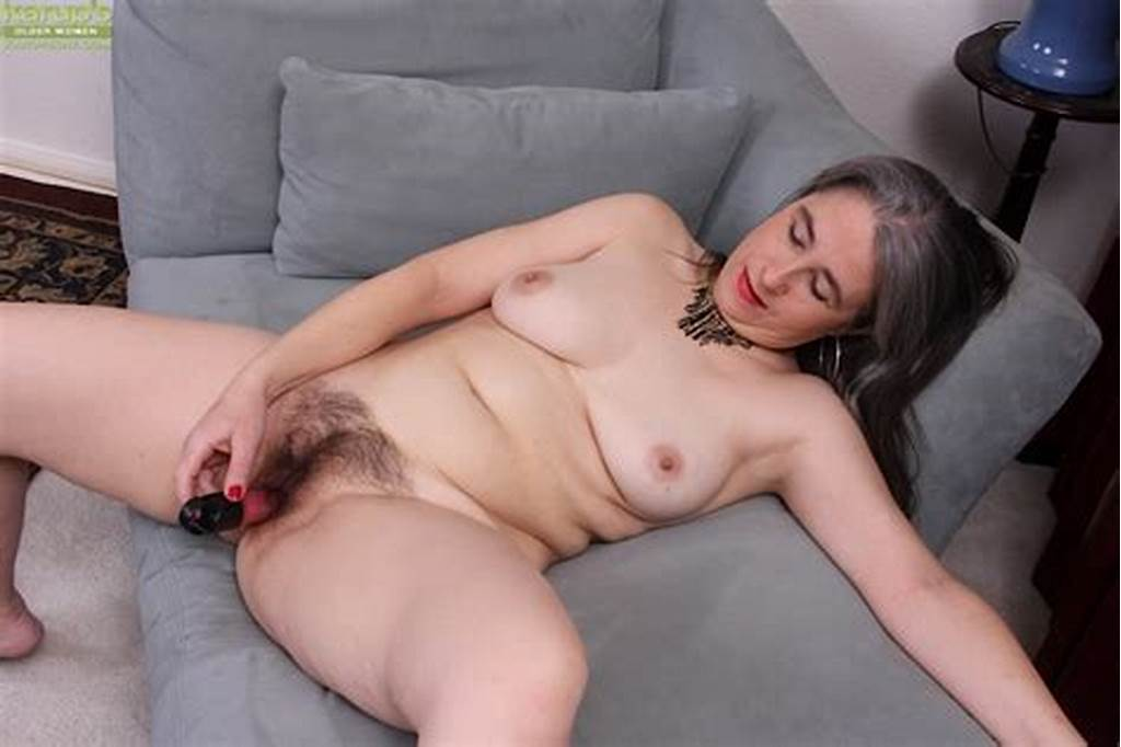 #Grey #Haired #Granny #Lexy #Lou #Toying #Hairy #Vagina #While