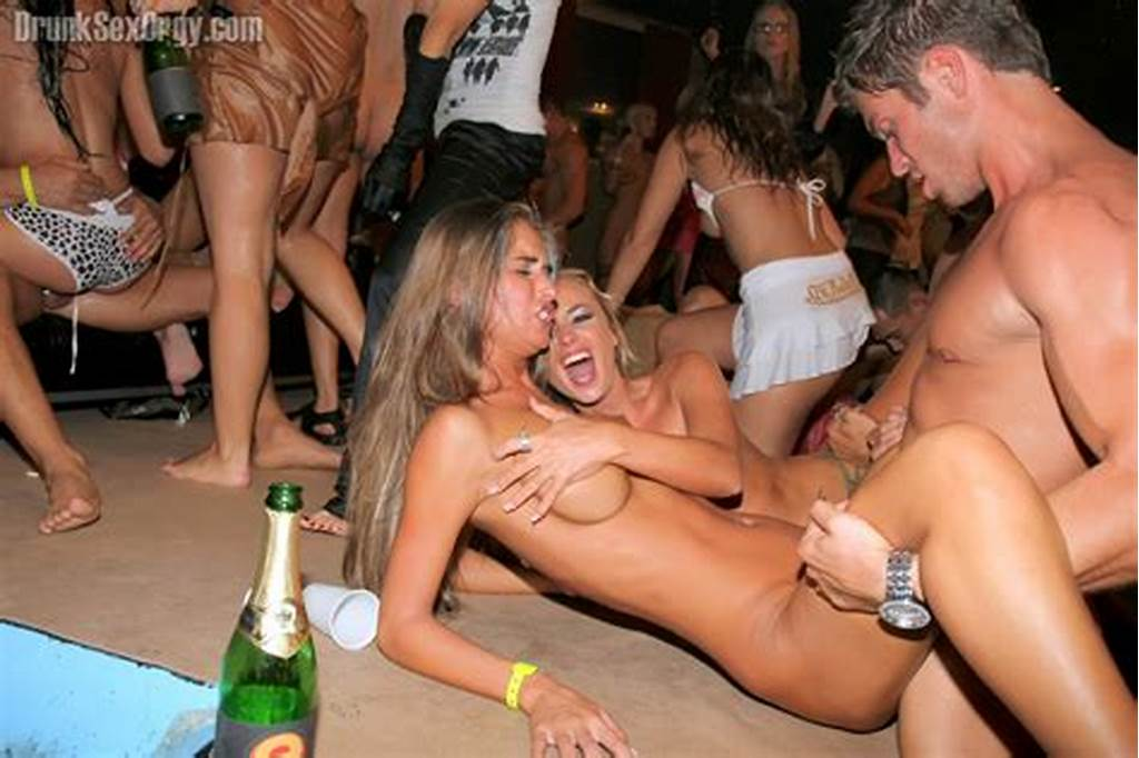 #Topless #Girls #At #Party