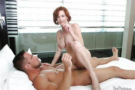 Red Haired Topless Teenage Played With In Bed And Drilled