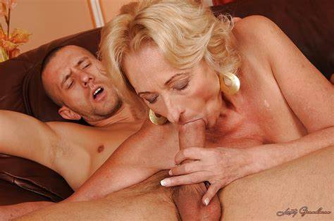 This Granny Pussylicking Prick And Drill Her Vintage Deepthroat Having