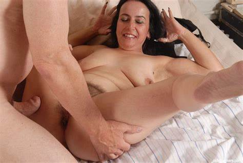 Huge Breasted Mom Stuffed With Orgasm