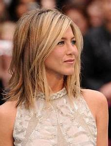 Asymmetrical bob Jennifer Aniston. | bijuteria | Pinterest ...