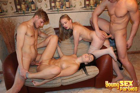 Sultry Foursome Couple With Dp And Fisting