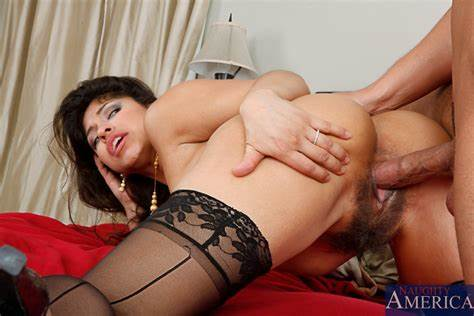 Hairy Cooch Blowjobs Gush Laurie Vargas Tries A Dicks Gape In Her Biggest Phat Fuzzy