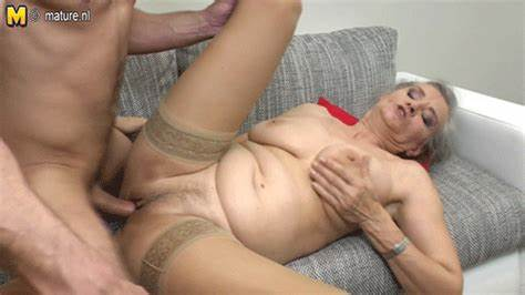 Tattooed Mature Throated And Gets On Hidden Cam