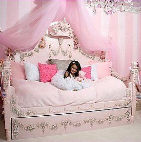 Decorating theme bedrooms Maries Manor: Princess style