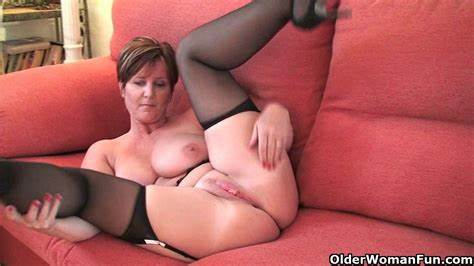 Short Haired Lady Fingering Her Chubby Deepthroat