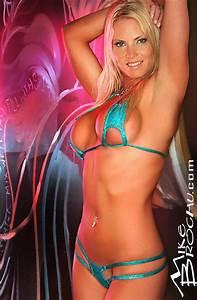 On The Edge Bikini U0026 39 S