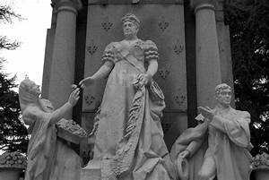 Monumento A La Infanta Isabel De Borb U00f3n En Madrid  2