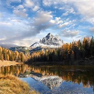 Beautiful, Landscape, Of, Alpine, Lake, Under, Bright, Sunlight
