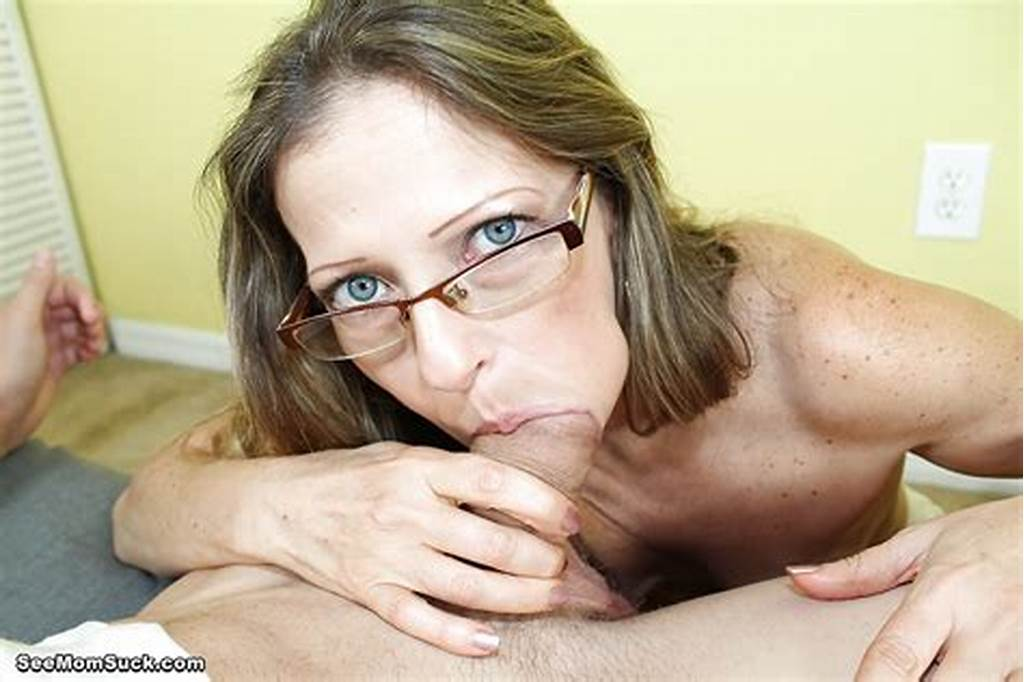 #Sexy #Milf #Does #An #First #Class #Blowjob #While #Wearing #Her