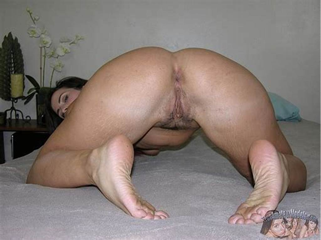 #Title #Mature #Milf #Shows #Ass #& #Feet #Photo #Gallery: #Porn