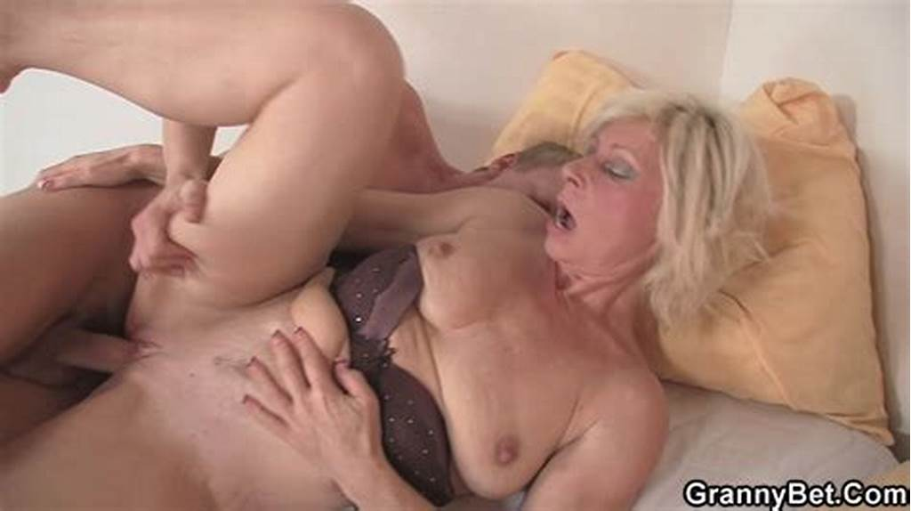 #Cock #Hungry #Mom #Sucking #Young #Boy #Dick