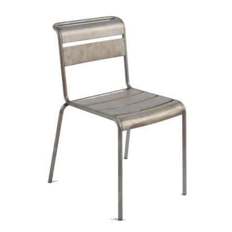 pied de chaise dans la chatte chaise industrielle en métal lutetia 4 pieds tables
