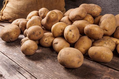 18 kartupeļu ēdienu receptes. Noderēs!