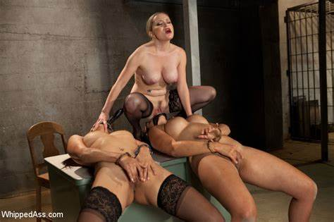 Lezbi Slave Used By Threesome Princess