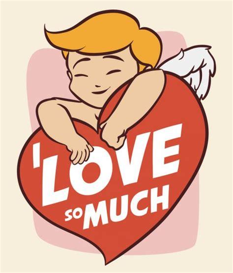 Feliz fofo abraçando coração com sentimento de amor
