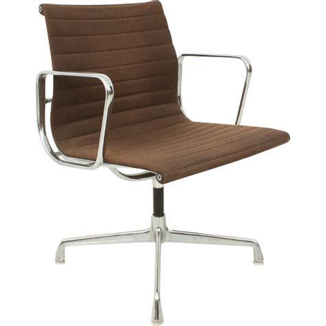 secretaire baise au bureau chaise de bureau eames chaise de bureau eames the vitra