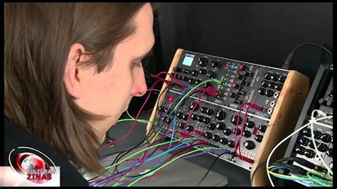 Paula mūzika elektroniskās skaņās - YouTube