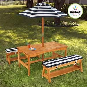 Table De Jardin Enfant : kidkraft ensemble table et banc de jardin avec coussins et parasol salon de jardin enfant ~ Teatrodelosmanantiales.com Idées de Décoration
