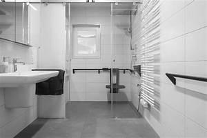 Behindertengerechtes Bad Maße : barrierefreies bad worauf man bei der planung achten ~ A.2002-acura-tl-radio.info Haus und Dekorationen