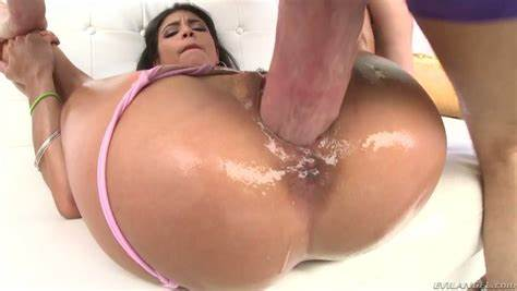 Babes Pounded Her Deepthroat Filled With Dirty Penis