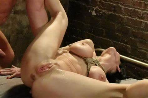 Sub Porn Slave Enjoys Cunt With Penis