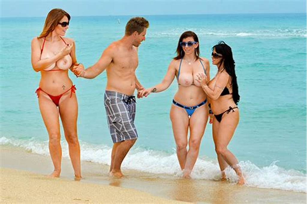 #Foursome #Featuring #Three #Busty #Cougars
